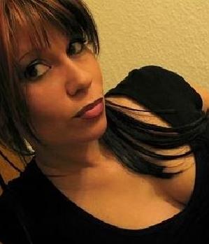 RedSanni (w/32) aus Aschaffenburg sucht Sex Treffen